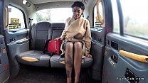 الجنس الشرجي في سيارة أجرة وهمية في لندن