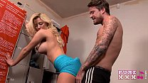 Blonde woman manages to excite you very hard
