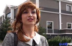 جارك أحمر الشعر يريد أن يمارس الجنس معها ويحرر فمها