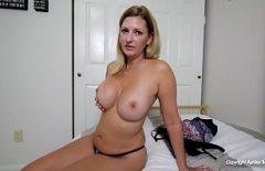 فاتنة ناضجة يعرف كيف يمارس الجنس لمدة شهر