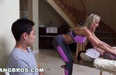صبي يغش صديقته مع امرأة جبهة مورو سيئة جيدة